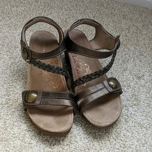 Aetrex Jillian Leather Velcro Sandals sz 8